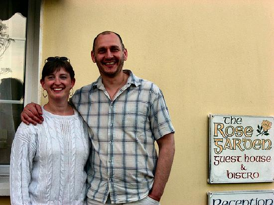 The Rose Garden B&B and Café: The owners outside Rosegarden