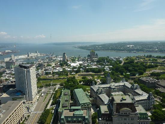 Chez Marie-Claire: Vue sur la vieille ville de Quebec depuis l'Observatoire