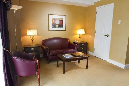 O'Callaghan Hotel Annapolis: Lots of space to work or play in our Suite
