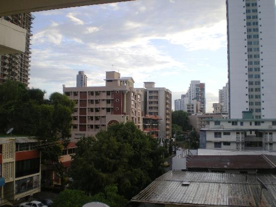 Sevilla Suites Apart-Hotel: Looking NE from 4th floor room