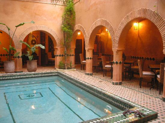 Riad Amirat Al Jamal: Amirat Al Jamal dining area