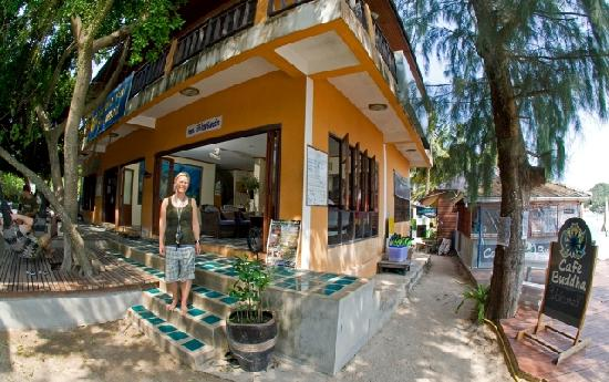 Buddha View Dive Resort: Diveshop_01