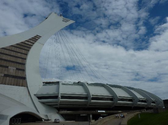 C C Cherrier: Le stade olympique de Montréal