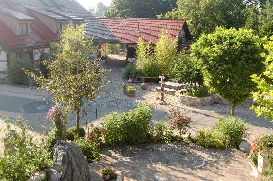 Landgasthof Hirsch: Blick von der großzügigen Terrasse der Familienzimmer