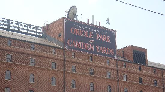 Oriole Park at Camden Yards: The entrance to the park