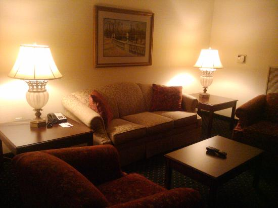 Hartford/Windsor Marriott Airport: Room (Suite)