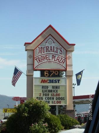 Days Inn Missoula Airport : next door travel plaza was convenient
