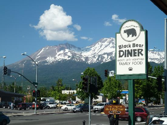 Black Bear Diner - Mt. Shasta : View of Mt. Shasta from Diner