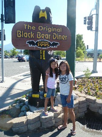 Black Bear Diner - Mt. Shasta : They have an excellent kids meal including a kids sundae