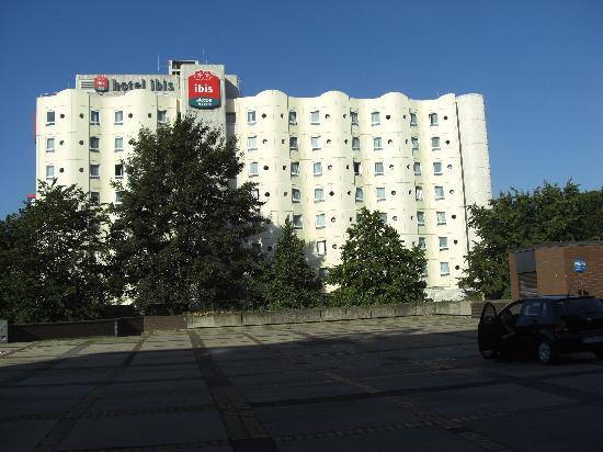 Ibis Bochum Zentrum: Von außen 2