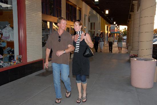 Chandler, Arizona: Walking in Downtown Chandler