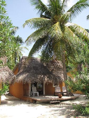 Kuredu Island Resort & Spa: Beach Bungalow 421
