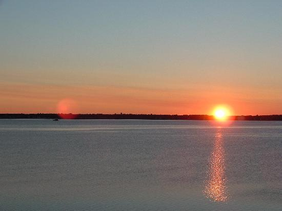 3 Royal Waterfront Suites: Sunrise from our patio
