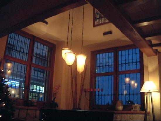 La Posada del Mar : Lighting inside bar area
