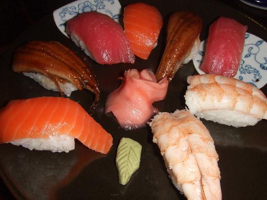 Cafe Kujaku : sushi