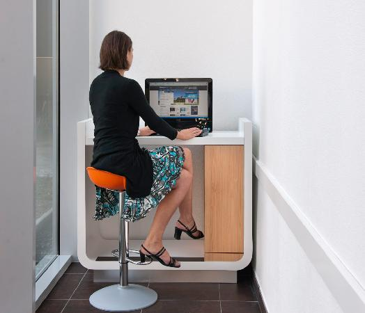 Hotel Ibis Budget Brugge Centrum Station: free internet corner