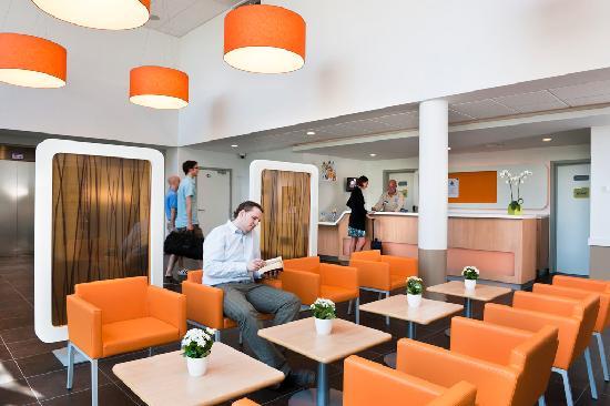 Hotel Ibis Budget Brugge Centrum Station Lobby