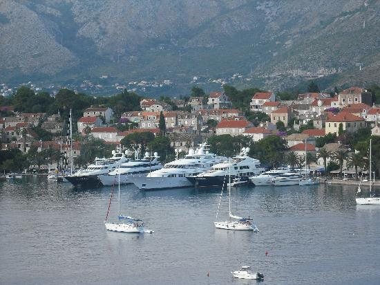 Villa Ivy: View of the harbour