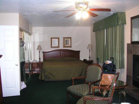Rogue Regency Inn: Rogue's room