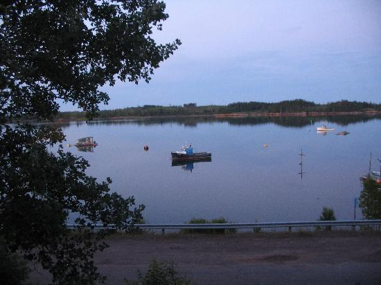 Richardson Lookout Cottages: autre vue sur la baie en face du chalet