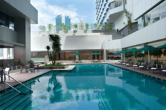 DoubleTree by Hilton Kuala Lumpur: Swimming Pool