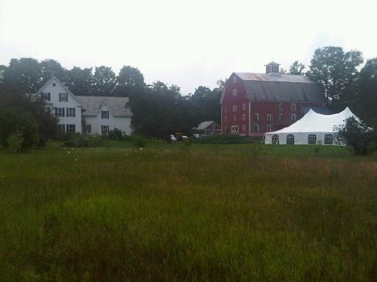 Farmhouse Inn at Robinson Farm: Great old barn too