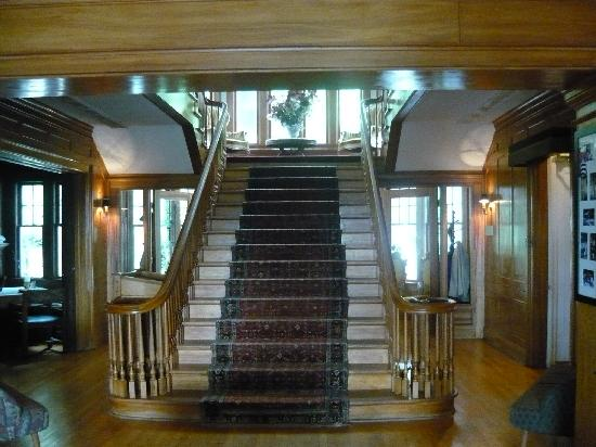 Rutherglen Mansion: style you will not find at a hotel