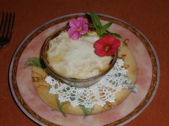 A Paradise Found B&B: Fresh peaches with yogurt & edible flowers.