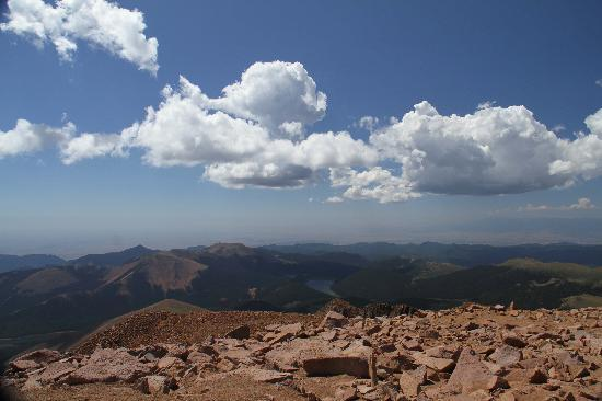 Pikes Peak Cog Railway: Awesome view from top of Pike's Peak