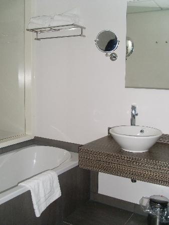 Inntel Hotels Amsterdam Zaandam: Bathroom