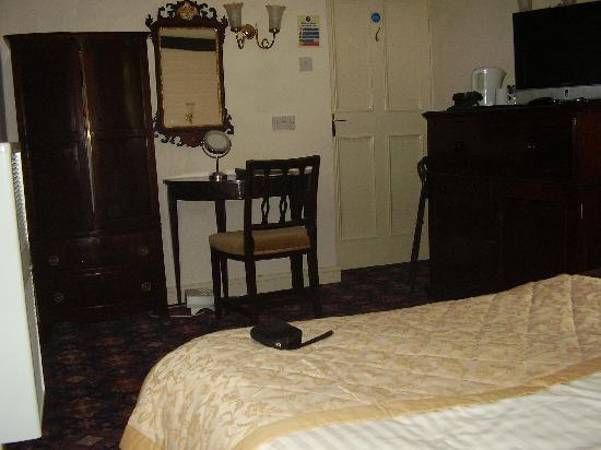 Greyhound Coaching Inn: Our room on ground floor