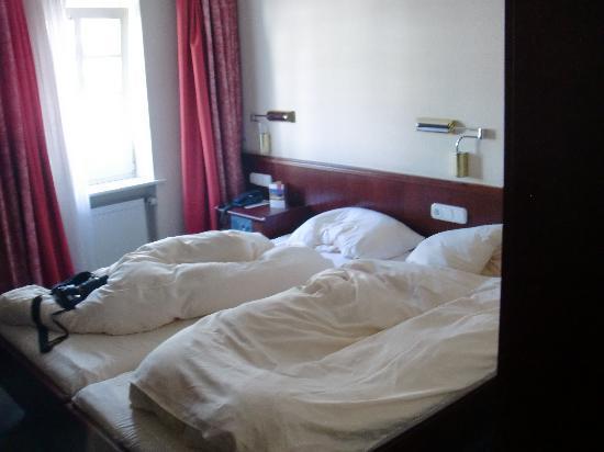 Zur Altstadt: Room