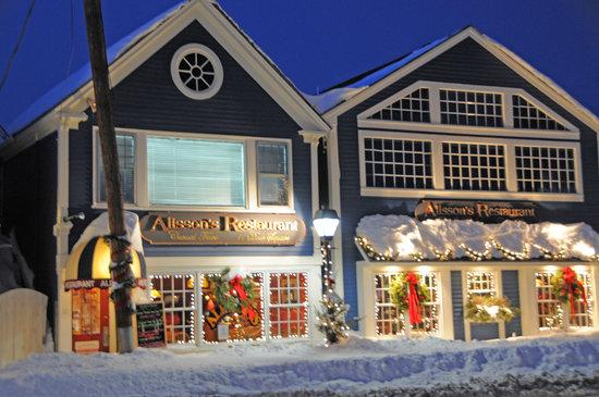 "Alisson's Restaurant following a 30"" snowfal in dec 2008"