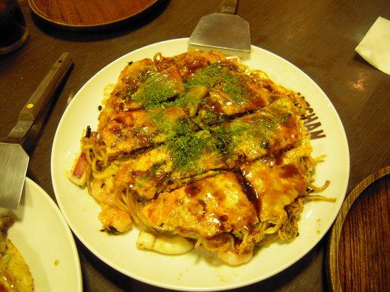 Okonomiyaki Shintenchi Micchan : スペシャルそば入り