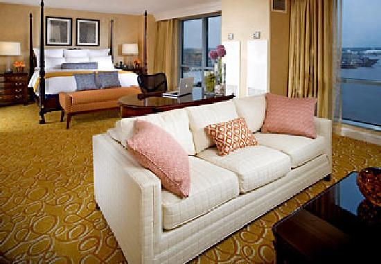 Renaissance Portsmouth-Norfolk Waterfront Hotel: Presidential Suite Bedroom