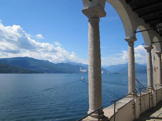 Antico Borgo Sanda: le lac Majeur depuis Santa Caterina del Sasso