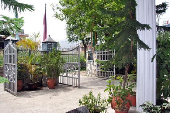 Green Tara Hotel: Parking
