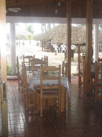 Hotel Zapata: Breakfast here right on the beach!