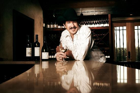 Franklin, TN: Kix Brooks Welcomes You to Arrington Vineyards