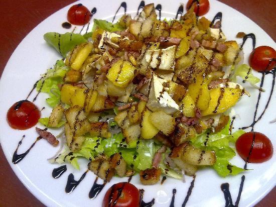 Le Maceio: une super salade de chevre chaud original