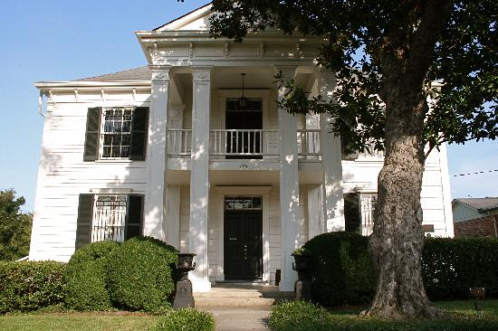 Lotz House in Franklin, Tennessee