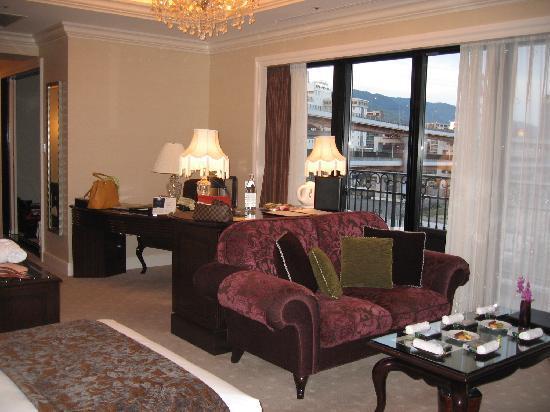 Hotel La Suite Kobe Harborland: 広くて、居心地のいい部屋