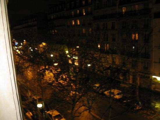 Grand Hotel Francais: View from our mini-balcony window.