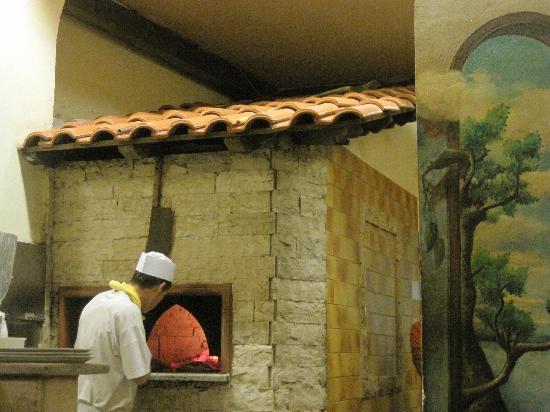 Horno de le a picture of navona notte rome tripadvisor - Hornos de lenas ...