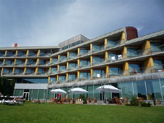 Georg Ots Spa Hotel: Garden of the hotel