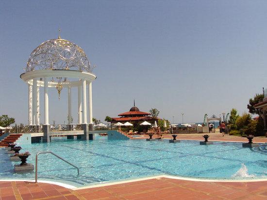 Helena Park Hotel : Pool Area