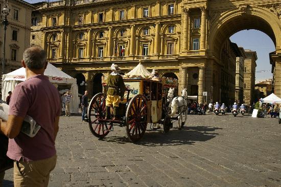 Grand Hotel Adriatico: Piazza della Republicca
