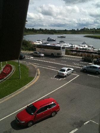 Carrick-on-Shannon, Ierland: View from our hotel window ( 1 )