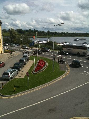 Carrick-on-Shannon, Ierland: View from our hotel window ( 2 )