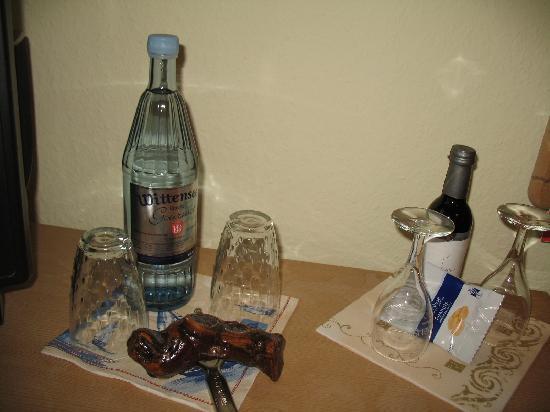Der Mühlenhof: Das kostenlose Wasser und Wein